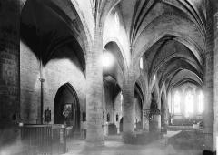 Eglise Saint-Laurent - Nef vue de l'entrée