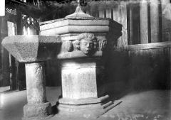 Eglise Saint-Mélar - Fonts baptismaux