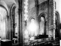 Eglise Saint-Gildas - Vue diagonale du choeur et des bas-côtés