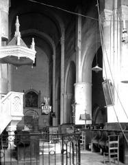 Eglise et son cloître - Eglise : Vue intérieure de la nef vers le sud-est