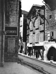 Maison du 13e siècle dite Maison des Loups - Façade sur rue