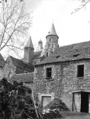 Eglise Saint-Pierre ou Saint-Sauveur - Façade sud