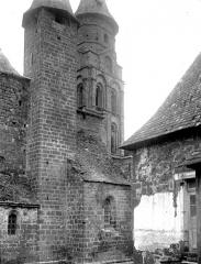 Eglise Saint-Pierre ou Saint-Sauveur - Façade sud : Clocher