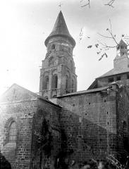 Eglise Saint-Pierre ou Saint-Sauveur - Angle nord-est : Abside, transept et clocher