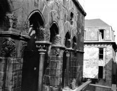 Hôtel des Monnaies - Façade est : Baies du premier étage