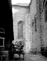 Eglise abbatiale Saint-André et Saint-Léger - Fenêtre