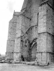 Ancien prieuré Saint-Michel des Anges - Eglise : Façade ouest en perspective