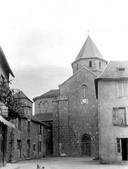 Eglise Saint-Robert - Eglise, bras nord du transept et abside