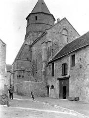 Eglise Saint-Robert - Eglise, ensemble ouest
