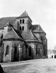 Eglise - Clocher et abside, état pendant restauration