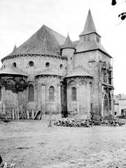 Eglise Saint-Pierre - Abside et transept au nord