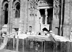 Cathédrale Notre-Dame - Portail pendant la construction