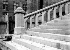 Cathédrale Notre-Dame - Détail des degrés