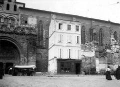 Ancienne abbaye de Moissac - Porche et façade