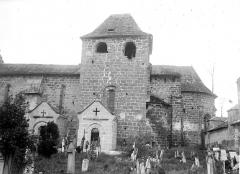 Eglise Saint-Sanctin ou Saint-Xantin - Façade sud et cimetière