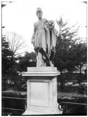 Palais du Louvre et jardin des Tuileries - Statue de Periclès