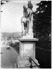 Palais du Louvre et jardin des Tuileries - Statue de Cassandre se mettant sous la protection de Pallas