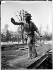Palais du Louvre et jardin des Tuileries - Statue d'Apollon poursuivant Daphné