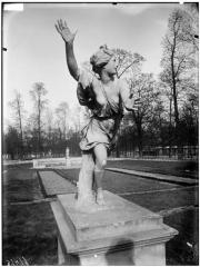 Palais du Louvre et jardin des Tuileries - Statue de Daphné