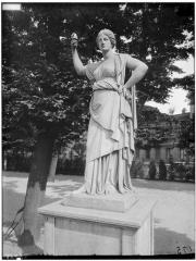 Palais du Louvre et jardin des Tuileries - Statue de Junon du Capitole