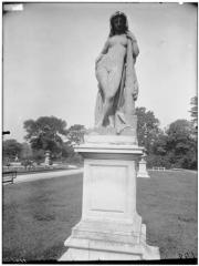 Palais du Louvre et jardin des Tuileries - Statue d'Omphale déguisé en Hercule