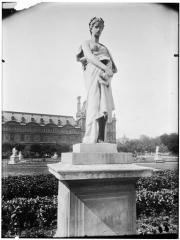 Palais du Louvre et jardin des Tuileries - Statue d'Elégie