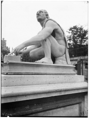 Palais du Louvre et jardin des Tuileries - Statue de l'Arrotino, le scythe écorcheur, le rotator, le rémouleur, le Milicus