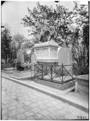Cimetière de l'Est dit cimetière du Père Lachaise - Tombeau du général Gobert