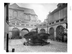 Immeuble - Arcade sur cour
