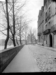 Cathédrale Notre-Dame - Vue du quai