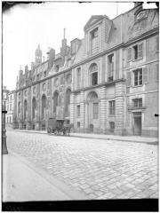 Ancienne abbaye Sainte-Geneviève, actuel lycée Henri IV - Vue générale sur rue