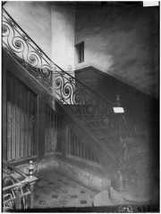 Hôtel - Rampe d'escalier en fer