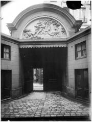 Hôtel des Ambassadeurs de Hollande - Romulus et Rémus