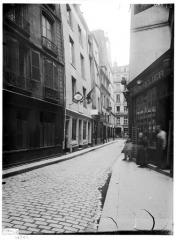 Maison dite de Nicolas Flamel - Façade sur rue, vue de la devanture