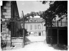 Hôpital de la Salpêtrière - façade sur cour