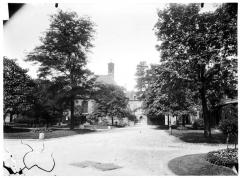 Hôpital de la Salpêtrière - Vue du jardin et de la chapelle