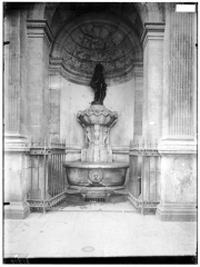 Fontaine publique dite de Joyeuse - Vue générale