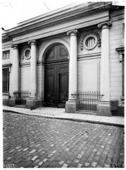 Hôtel de Narbonne - Façade sur rue, portail