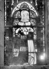 Cathédrale Notre-Dame - Vitrail du choeur : Sainte Catherine